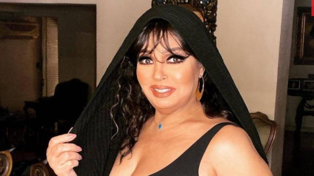بالفيديو – فيفي عبده تتعرض للهجوم بسبب الرقص بالمنشفة !